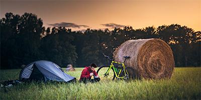 fotogragfia-portada-acampada-bicicleta
